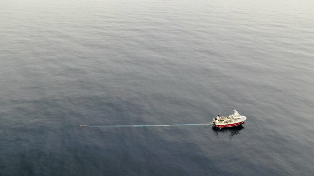 Pacific Legacy No.1 deploying her trawl net. Photo credit: Tristan Blaine (Central Coast Indigenous Resource Alliance, BC, Canada)